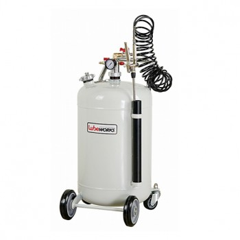 Oil pressure sprayer
